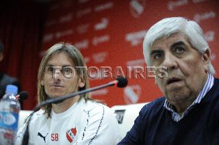 INDEPENDIENTE: ASUMIO BECCACECE