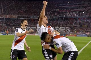 RIVER VS RACING:SEGUNDA ENTREGA